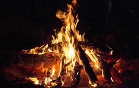 17627-campfire-kaz